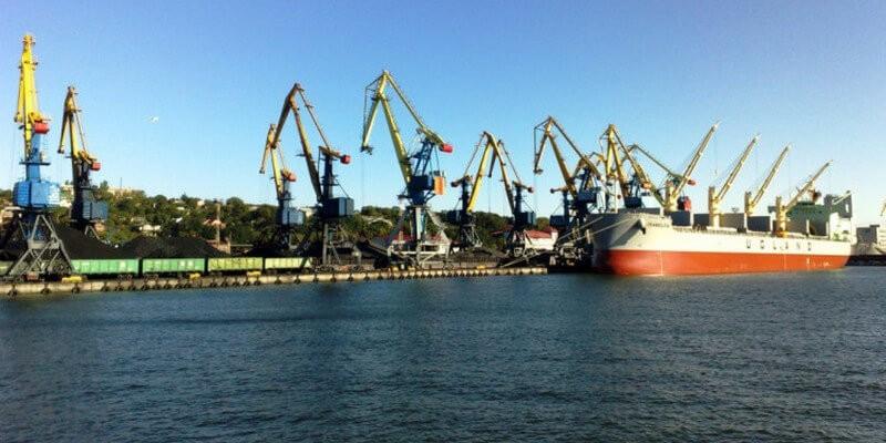 Dynamics of export transshipment